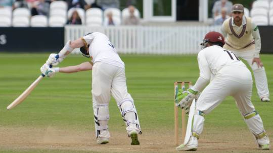 CC Essex (H) 2018 Aug Day 4 Adam Wheater c&b Jack Leach
