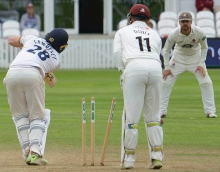 CC Essex (H) Aug 2018 Day 4 Dan Lawrence bld Jack Leach Copyright Mike Williams