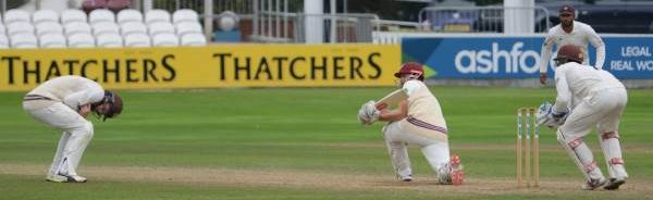 CC Surrey (H) Sept 2018 Day 3 James Hildreth sweeping Surrey - Copyright Michael Williams
