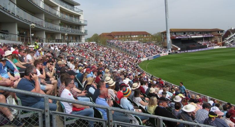 IMG_1187 RLODC 50-over 190419 Somerset Stand Crowd Som v Kent