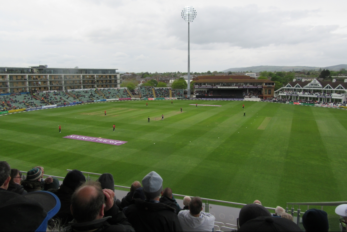 IMG_1227 RLODC 50-Over Som v Essex 260419 Author's view frm Som Pav Day