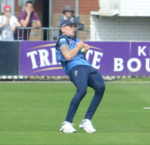 RLODC 190419 v Kent James Hildreth ct Harry Podmore bld Darren Stevens 2 (C) M Williams